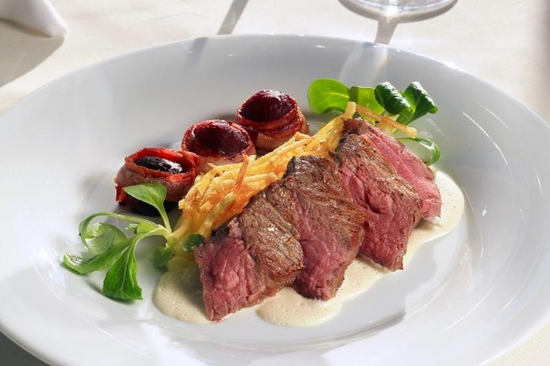 Steak z mladého býčka - Grand restaurant